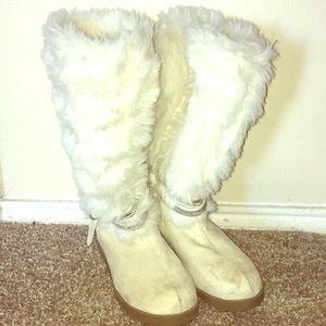 Girls Furry Boots